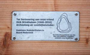 Plaquette ter herinnering aan Dick Brinkhuizen