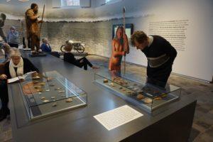 Terugkijken naar een beperkte selectie van de vondsten uit Peest.